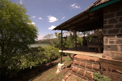 Furnished Cottage With View of Lake Duluti