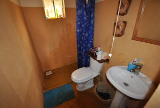 Bathroom of the 7 Bedroom Home for Sale in Mateves, Arusha by Tanganyika Estate Agents