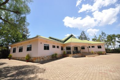 17 Room Lodge for Sale in Usa River, Arusha