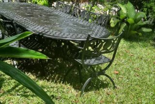 The Garden of the Four Bedroom Furnished Ensuite Apartment in Dar