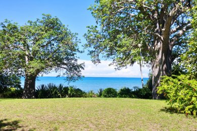 Kigombe – Long or short term cottage rentals right on the beach!